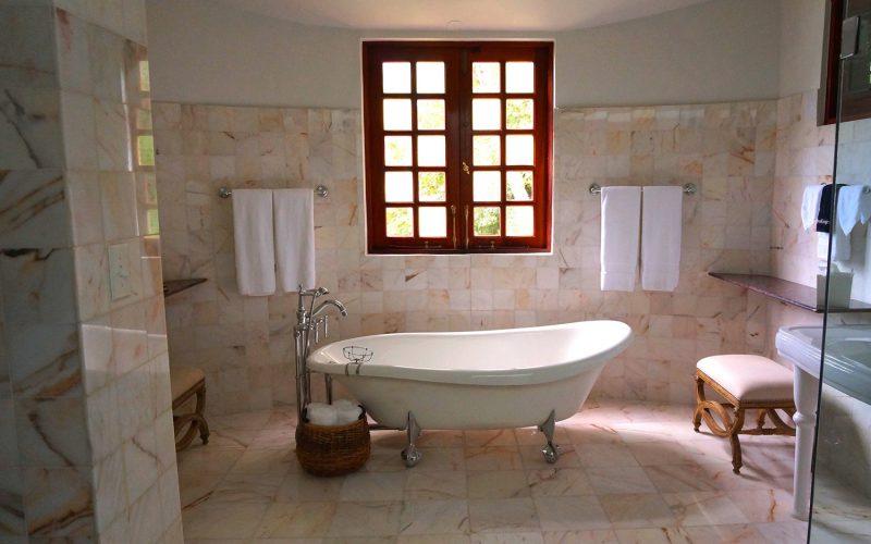 Hoe creëer je een luxe badkamer?