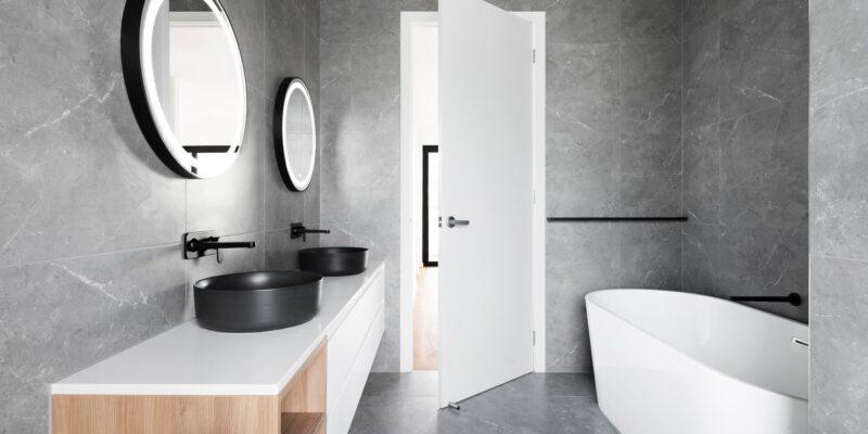 Badkamer met spiegel